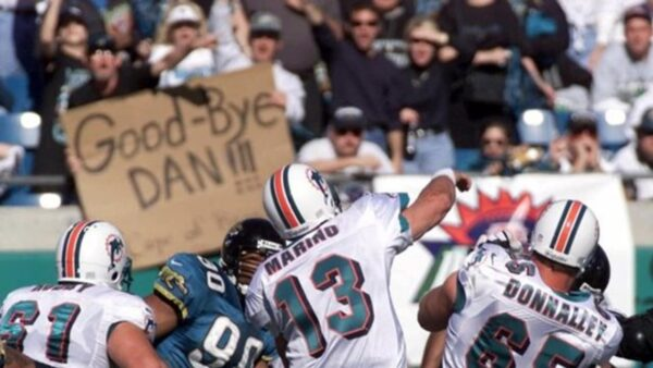 This Day in Dolphins History: January 15, 2000 Dan Marino Plays His Final Game in 62-7 Loss to Jacksonville