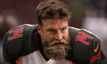 Dolphins Sign QB Ryan Fitzpatrick