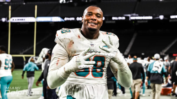 BREAKING NEWS: Dolphins DT Raekwon Davis Placed on IR
