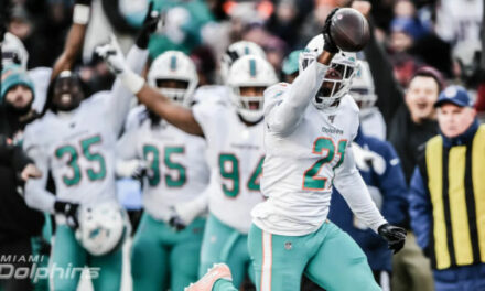 POST GAME WRAP UP SHOW: Fins Stun Patriots & End Of Year Awards