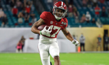 Miami Dolphins Select Jaylen Waddle WR Alabama in Round 1, Pick # 6