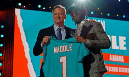ESPN+: Breaking Down the Dolphins Selecting Jaylen Waddle at Pick 6